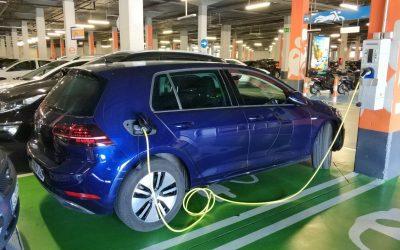 Nueva reglamentación obliga a inmobiliarias incorporar cargadores para vehículos eléctricos