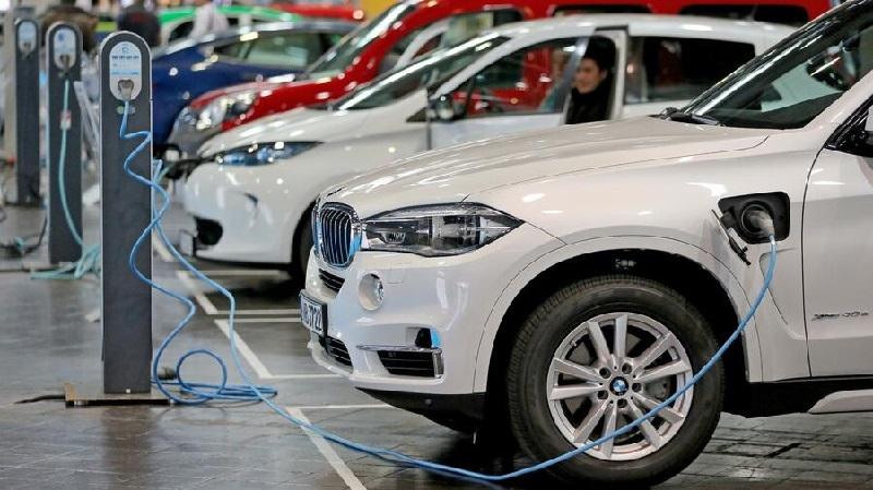 27.000 vehículos afectados: BMW llama a revisión modelos híbridos enchufables a causa de sus baterías
