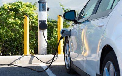Empresarios destacaron nuevos requisitos de seguridad para infraestructura de carga de vehículos eléctricos en Chile