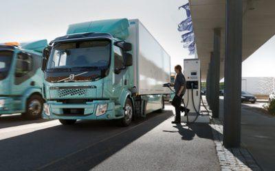 Renting Colombia inaugura la primera electrolinera pública para camiones de Sudamérica