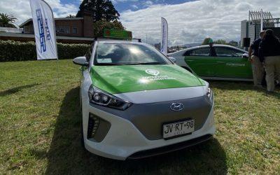 Entregan taxis colectivos eléctricos que recorrerán las calles de Valdivia