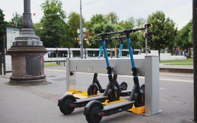 Knot: La empresa francesa que diseña estaciones de scooters eléctricos para movilidad compartida llega a Latinoamérica
