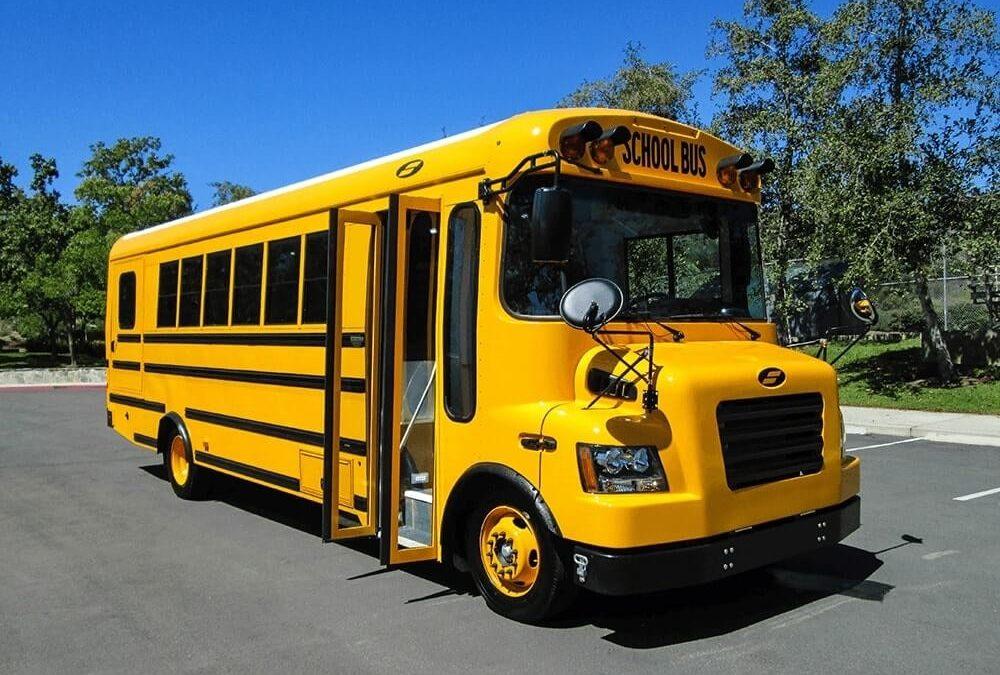 La CNTU desarrolla flota de buses escolares eléctricos en República Dominicana