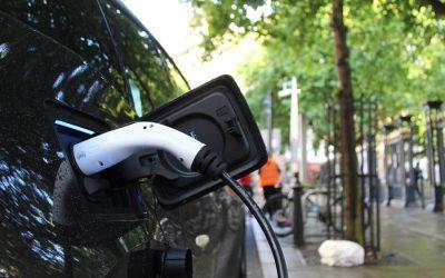 Para T&E se deben replicar multas a fabricantes de vehículos por exceso de emisiones para fomentar la movilidad eléctrica
