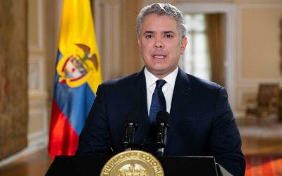 Colombia insta a petroleras a diversificarse mientras pide mayor uso de vehículos eléctricos