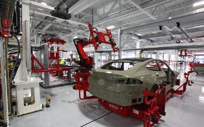 Tesla bate otro récord de producción gracias al boom de los eléctricos