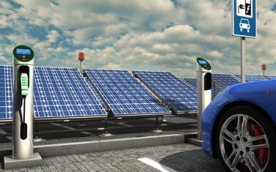 El futuro llegó a Chile con vehículos eléctricos que cargan en una planta solar fotovoltaica
