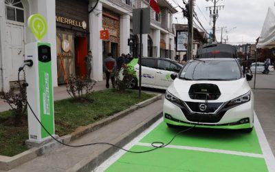 Se conoce la proyección «más optimista» del Gobierno de Chile sobre cargadores públicos para vehículos eléctricos