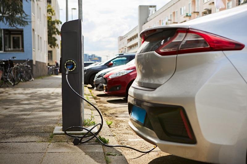 Promesa electoral: Candidato a gobernador en México hace campaña con proyectos para vehículos eléctricos