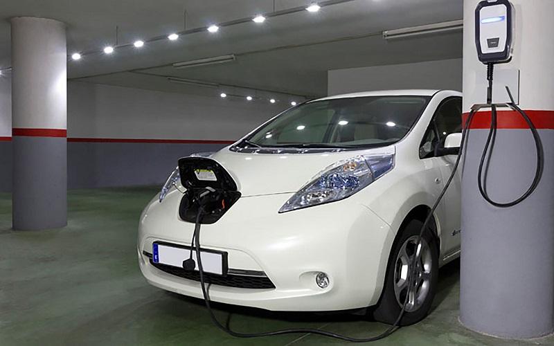 ¿La tarifa eléctrica es un freno para la adopción de vehículos eléctricos en Ecuador?