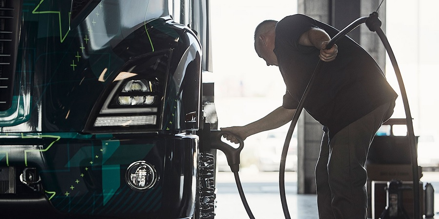 Organización internacional del transporte desmiente transición con gas y pide por eléctricos