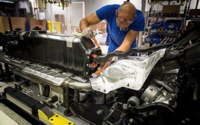 California quiere baterías de coches eléctricos garantizadas por ley hacia 2026