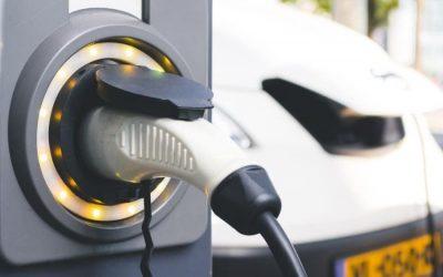 Así se distribuyen los puntos de recarga de vehículos eléctricos en Barcelona