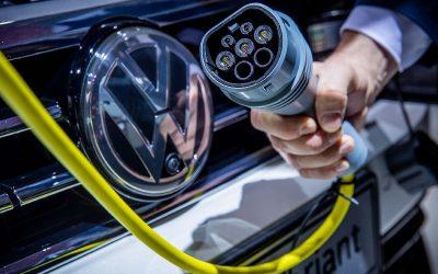 Sin rentabilidad se demora la infraestructura de carga pública para vehículos eléctricos en Chile