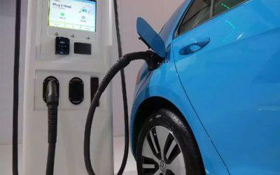 Tendencias: Maxus, Hyundai y Toyota dominan el mercado de vehículos eléctricos e híbridos en Chile