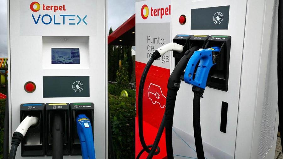 Surgen dudas sobre la regulación de tarifas para la carga de vehículos eléctricos propuesta en Colombia