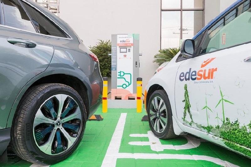 Edesur instala «supercargador» dual para vehículos eléctricos en República Dominicana