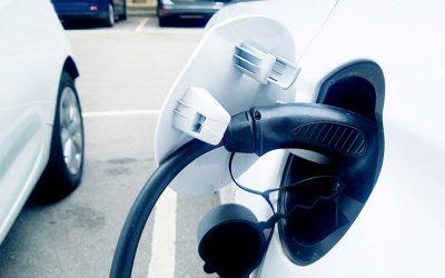 Distintas miradas sobre la estandarización de conectores para vehículos eléctricos en Colombia