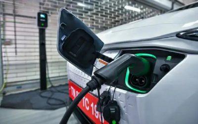 Por demanda de vehículos eléctricos escasearía el litio y ya aumentan los costos