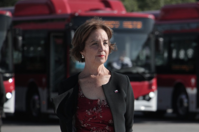 Más buses eléctricos e hidrógeno verde: La palabra de Gloria Hutt sobre licitaciones postpandemia