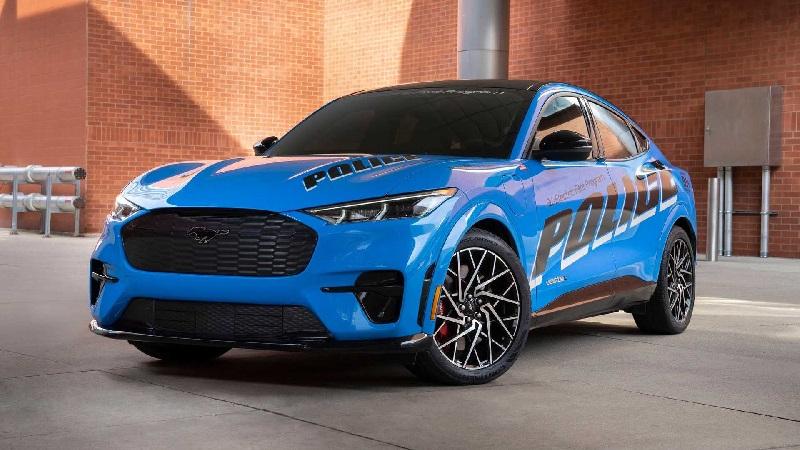 Ponen a prueba el Ford Mustang eléctrico como vehículo policial