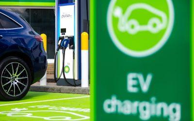 La CE autoriza a BMW, Daimler y BP a hacerse cargo de la empresa de carga de vehículos Charge Now