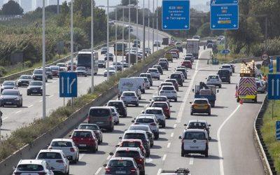 Así es el nuevo impuesto al CO2 que van a tener que pagar los conductores catalanes