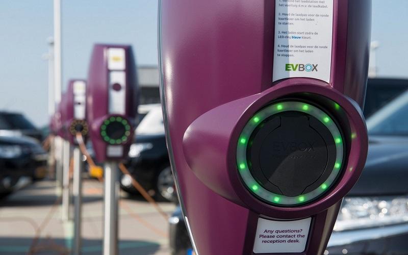 Carga en DC: La próxima apuesta de EVBox en infraestructura para autos eléctricos