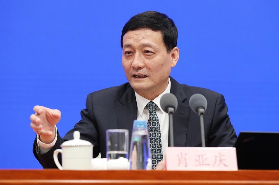 """Ministro chino admite """"demasiadas"""" empresas de vehículos eléctricos"""