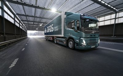 Volvo Trucks receives record order for electric trucks