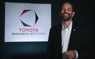 """Gill Pratt de Toyota insiste que no """"todo el mundo"""" debería conducir un vehículo eléctrico a batería"""
