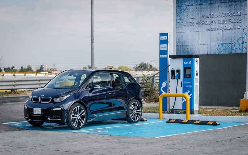 La CFE advierte cuál es el principal problema de carga para vehículos eléctricos en México