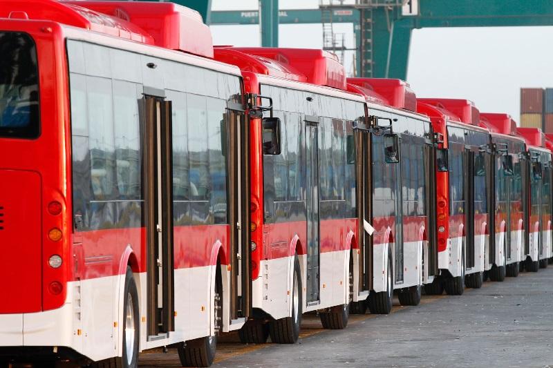 Transporte público, impuesto verde y retrofit: Candidatos a Presidente optan por electromovilidad en Chile