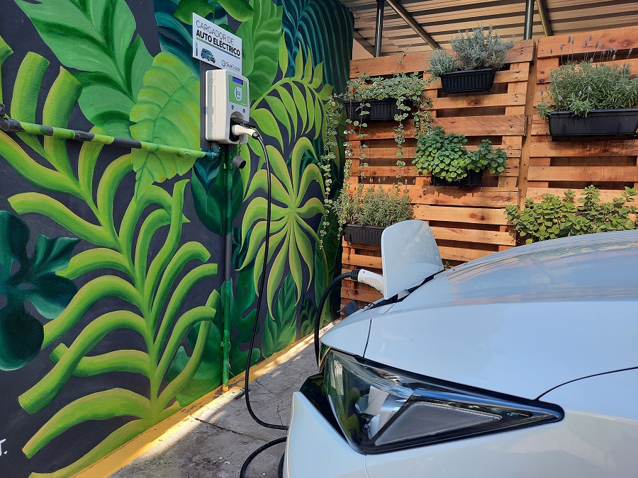 La red de carga para vehículos eléctricos de Argentina se expande con Scame y Sux Solar